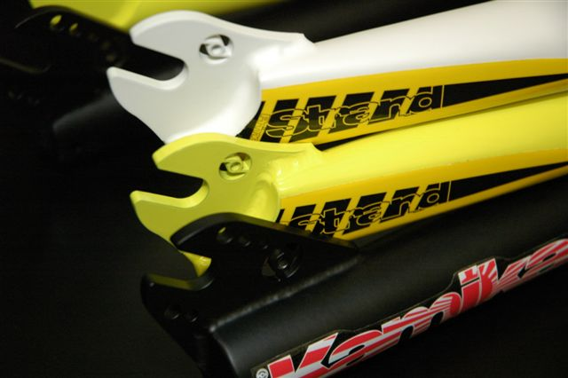 Primo Stand Fork in White, Yellow and Black and the Kamakaze V2 in Matt Black, Matt White and Yellow RRP £109.99