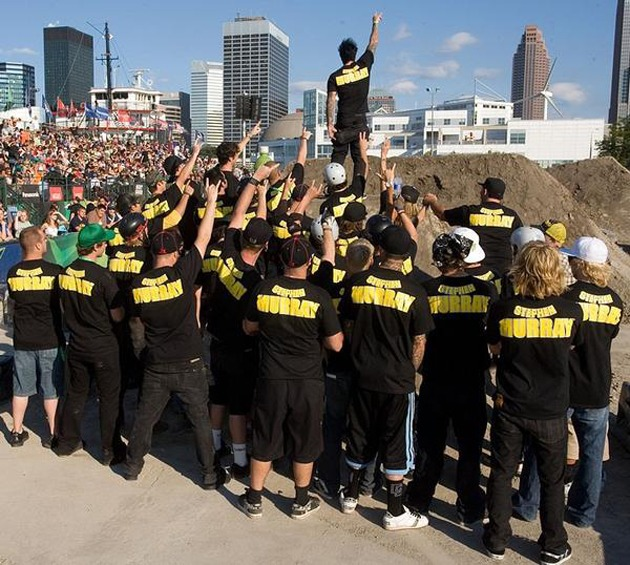 If there was one shot that symbolises the BMX community coming together for Stephen, its this! – Riders, Dew Tour.