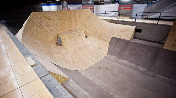 Photo Booth: Red Bull Metro Pipe Build