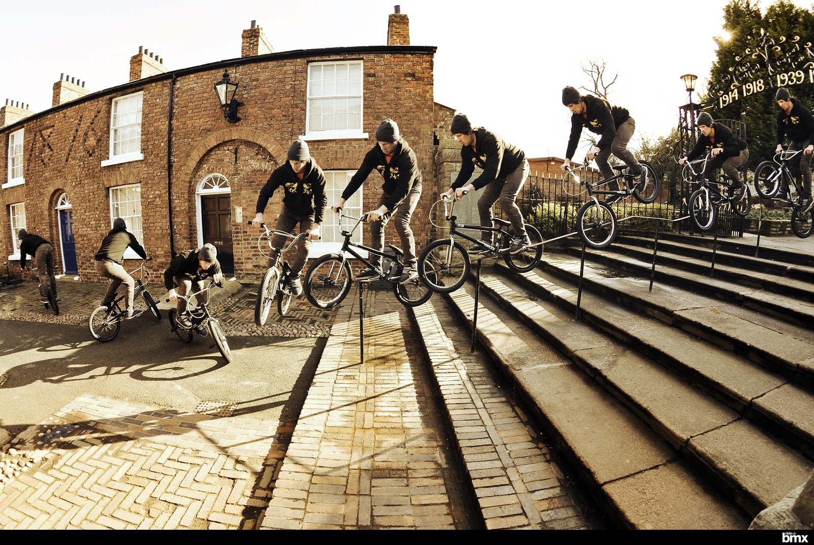Pegs over to pedal-crook to 180 on the Hollywell kinker.