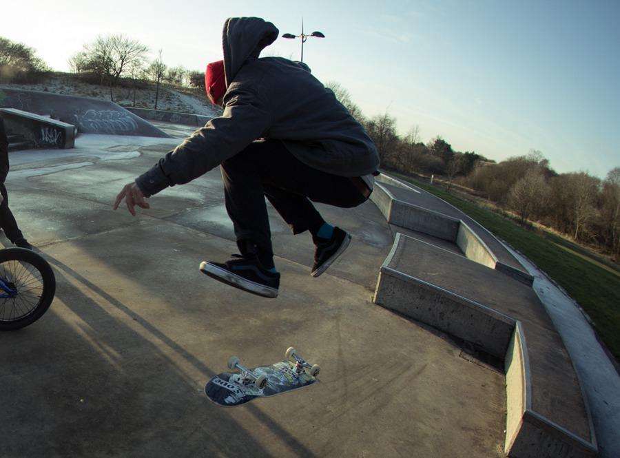 Dak kick flip in the frost.
