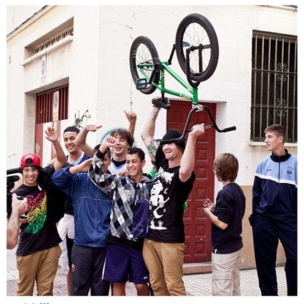 @jaypbmx - Jason Phelan, Hanging out with the homies in Malaga
