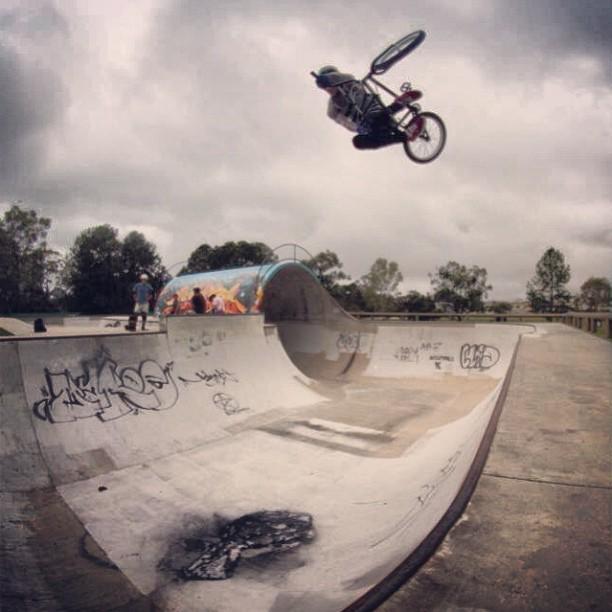 Getting steezy in Aus! #brap (@harrymain)
