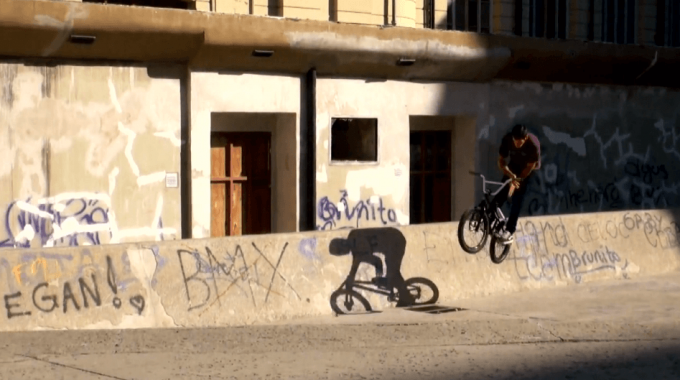 SE Bikes - Lukas Acuña on the Streets of Argentina