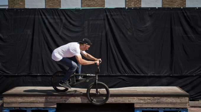 Ride Basics: How to Smith Grind