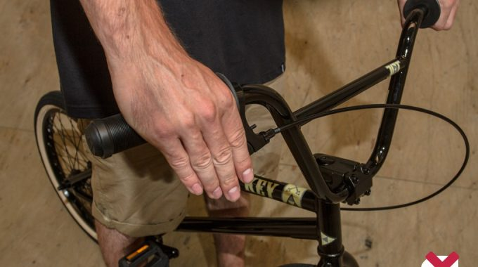 BMX BASICS: Before You Start – Stance and Grip