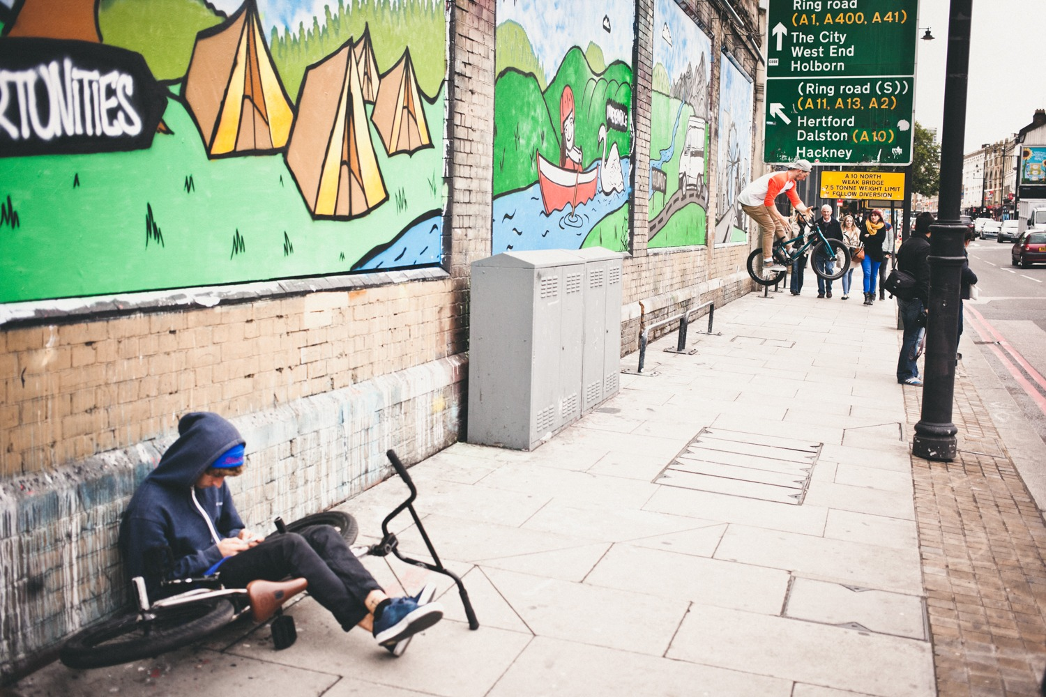 I think this is Shoreditch, yeah I'm pretty sure it is. Opposite this rail set up where Pete done some sort of grind to grind to 180 bars out there was a gay sauna house as Jason and the TM Chris McArdle soon found out after trying to go for some relaxing spa action.