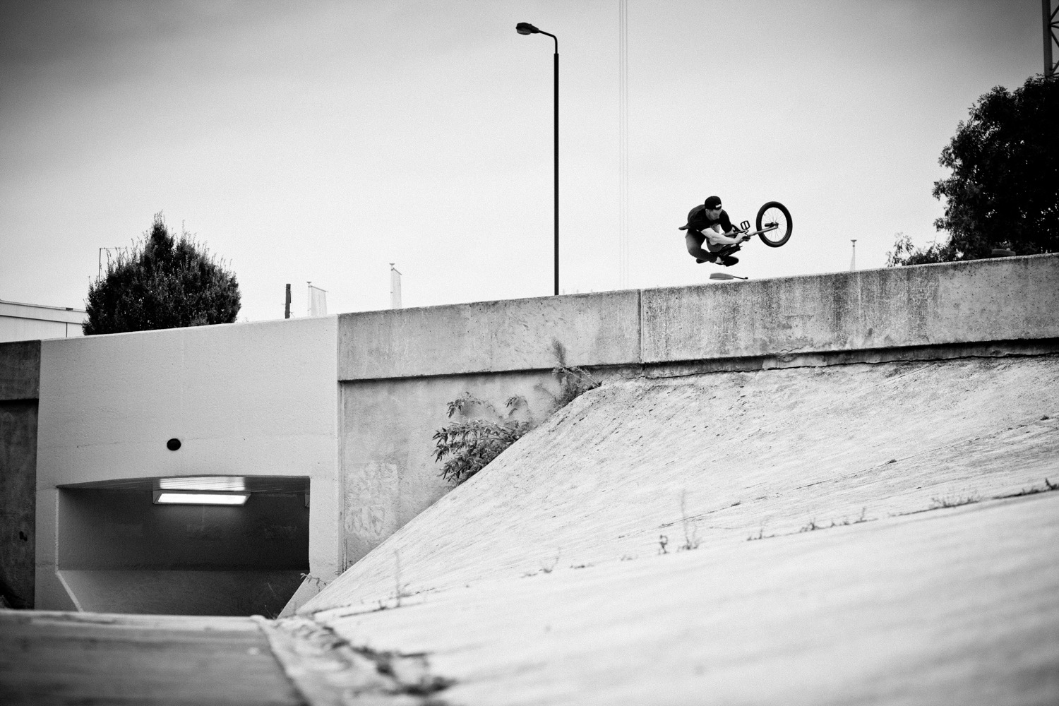 I would say that there have been quite a few photos of a wallride to table taken at this bank to wall at Wandsworth roundabout, but not everything has to be an 'NBD'. Not that Pete or myself give a shit. Pete Sawyer Bean refreshes your memory as to what a wallride table should look like anyway.
