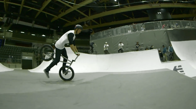 WETHEPEOPLE - FOUR CLIP FRIDAY - ED & MO AT SIMPLE SESSION