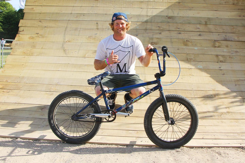 NICE SET UP: Mike 'Hucker' Clarke Bike Check - 2
