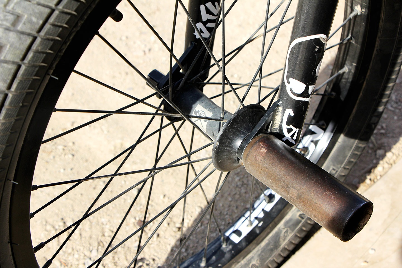 NICE SET UP: Mike 'Hucker' Clarke Bike Check - 6
