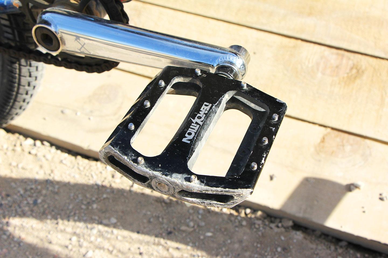 NICE SET UP: Mike 'Hucker' Clarke Bike Check -
