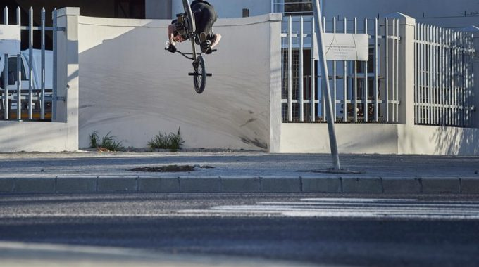RED BULL: BAD LANDS ft. Sergio Layos, Kriss Kyle, Greg Illingworth, Russ Barone and Alex Kennedy
