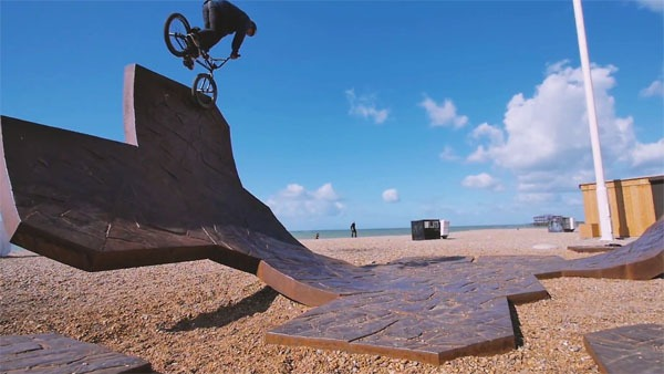 MANKIND: Isaac Lesser 'Getaway' Frame Promo