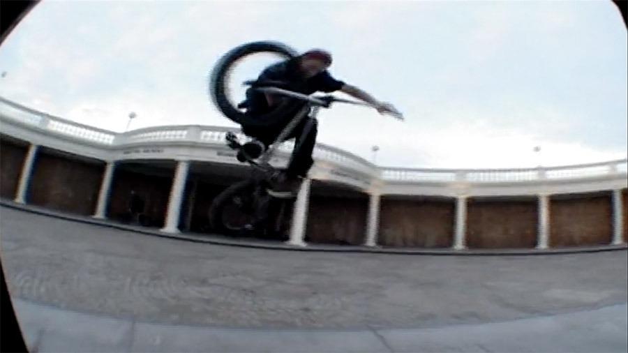 SOUTH COAST BMX: Max Hedges