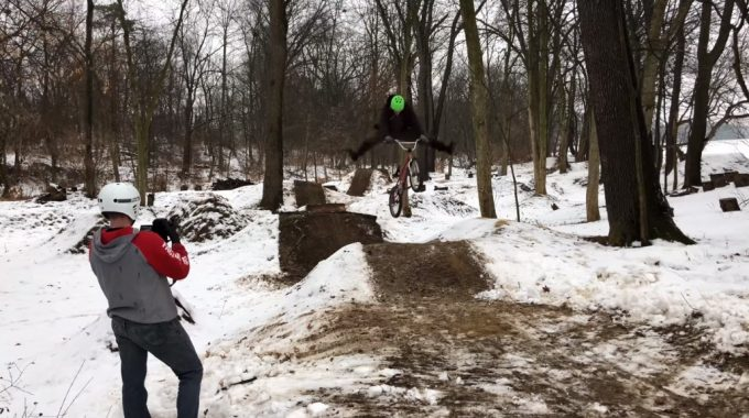 BRANT MOORE: Frozen BMX Dirt Jumping! - Snow Trails Session